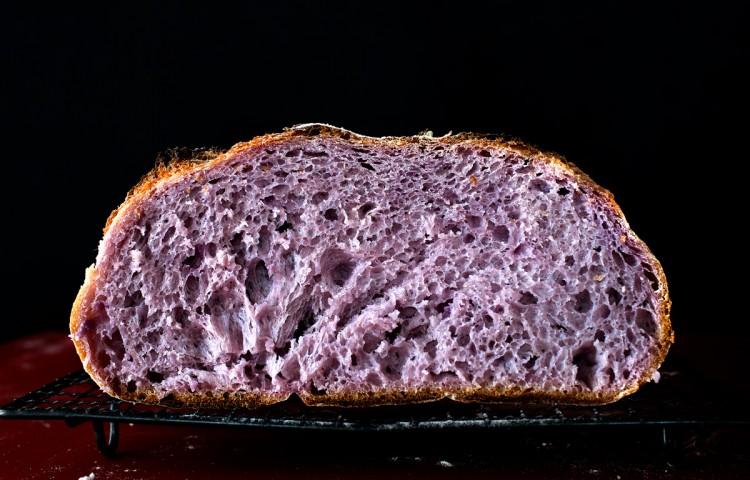 Lila Brot, Purple Bread
