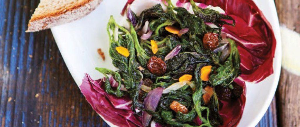 Brennnessel Minz Salat mit Kurkuma